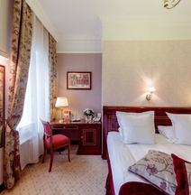 Golden Triangle Boutique Hotel St. Petersburg