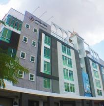 โรงแรมและอพาร์ทเมนท์คาลีฟาสวีทส์