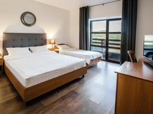 Alpika Hotel
