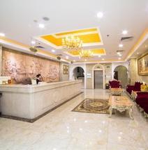 Vienna Hotel (Zhuhai Xiangzhou Qinglv Road Opera House)