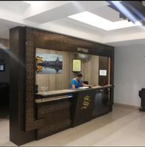 Hotel The Samrat