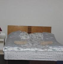 Bajam Rooms & Apartment