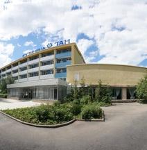 Hotel Complex Tan