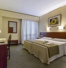 Hotel Macià Sevilla Kubb