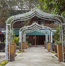 Qili Xiangshe Hostel