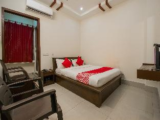 Oyo 37735 Sri Harshitha Residency