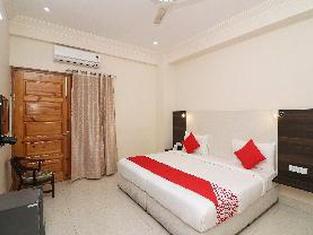 OYO 436 Hotel Everest Inn
