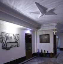 Hally Hotel Tehran