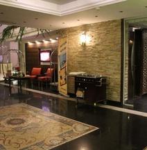 Lazourd Palace Hotel Apartments