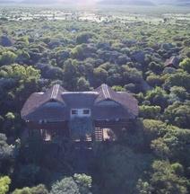 Famata Lodge