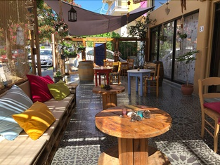 Rhodes Backpackers Boutique Hostel