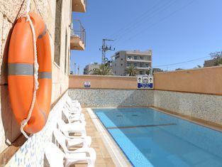 Tzabar Hotel