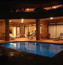 Ibis Lodge