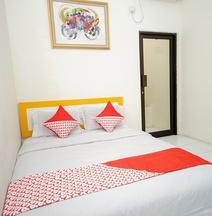 Oyo 325 Maleo Residence Palembang Il
