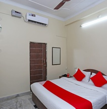 OYO 18362 Hotel Jai Maa Durga