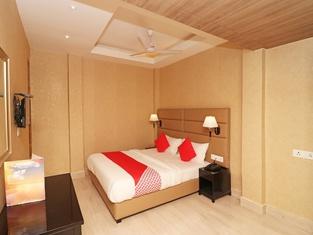 Capital O 22906 Hotel Riash