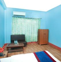 OYO 335 Hotel Nayaram