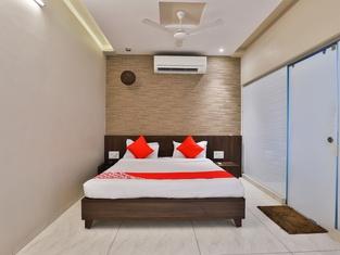 OYO 24028 Hotel Om Palace & Party Plot
