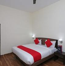 OYO 4828 Osho Resorts Deluxe