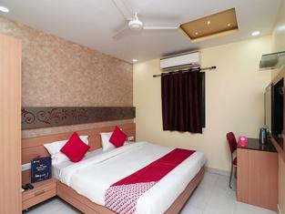 OYO 16590 Hotel Sapphire Inn
