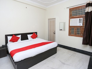 OYO 38149 Shiva Guest House