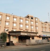 OYO 22953 Hotel Shelter