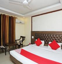 OYO 24954 Hotel Amrita