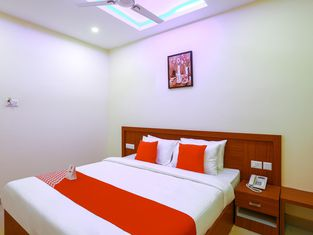Oyo 36209 Ramis Residency