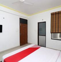 OYO 28585 Dev Residency
