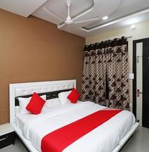 Oyo 40404 Hotel Cs & Restaurant