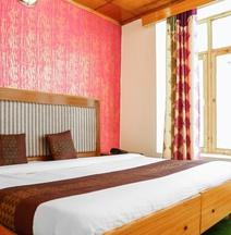 OYO 14082 Hotel Himalayan Stays