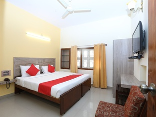 Kaveri Hotel Bed & Breakfast