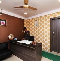 Oyo 41874 Laxmi Guest House