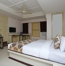 OYO 10264 Hotel Midtown