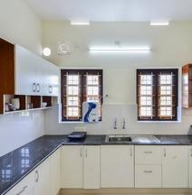 OYO Home 35820 Scenic Villa