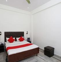 OYO 12193 Sandhya  Hotel
