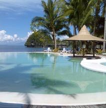 Caluwayan Palm Island Resort