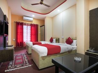 OYO 404 Hotel Taj International
