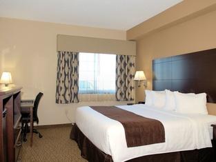 Rock Island Inn & Suites
