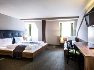 RiKu Hotel Hallhof