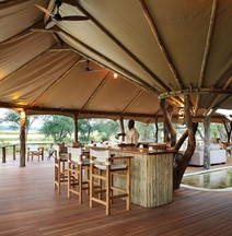 Anabezi Luxury Camp