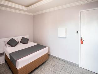 OYO 122 Tiquatira Hotel