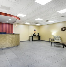 Quality Inn & Suites Charleston