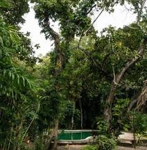 Chaltunha Hostel Flores Island