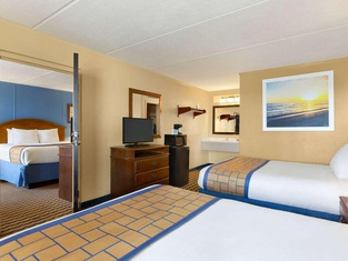 Days Inn & Suites by Wyndham Fayetteville NW Ft Bragg