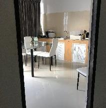 Meesuk Apartment