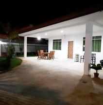 丹絨阿魯的4臥室小屋 - 501平方公尺/3間專用衛浴