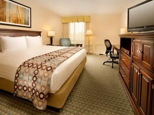 Drury Inn & Suites Kansas City Stadium- Kansas City