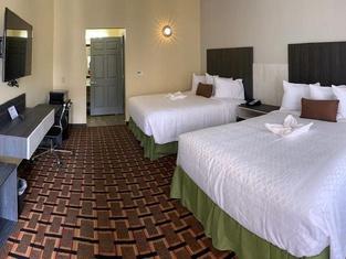 HomeStay Inn & Suites Edinburg