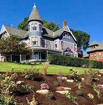 The Hancock House Bed & Breakfast Inn
